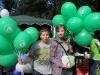 wolontariusze-z-zespolu-szkol-nr-10-w-zabrzu-rozdaja-balony